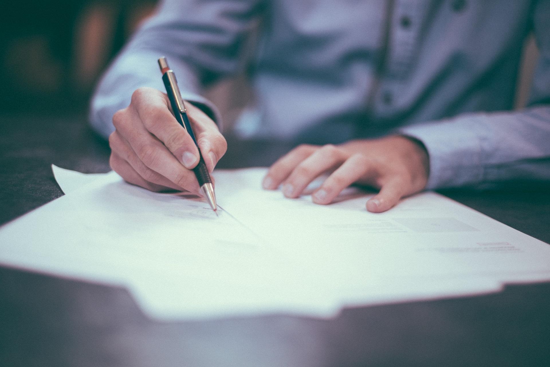 Informations sur la loi fiscale de 2018, les obligations légales.